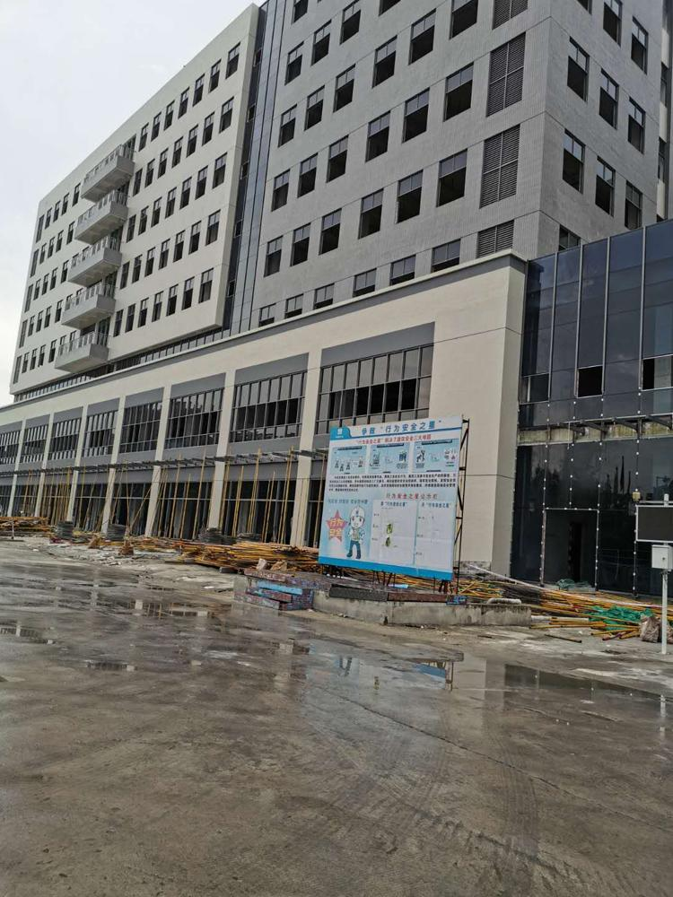 临深片区全新厂房出售,占地4000建筑13000