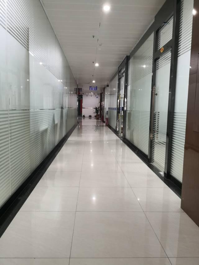 马鞍山地铁口写字楼/环境好交通方便/配套酒店