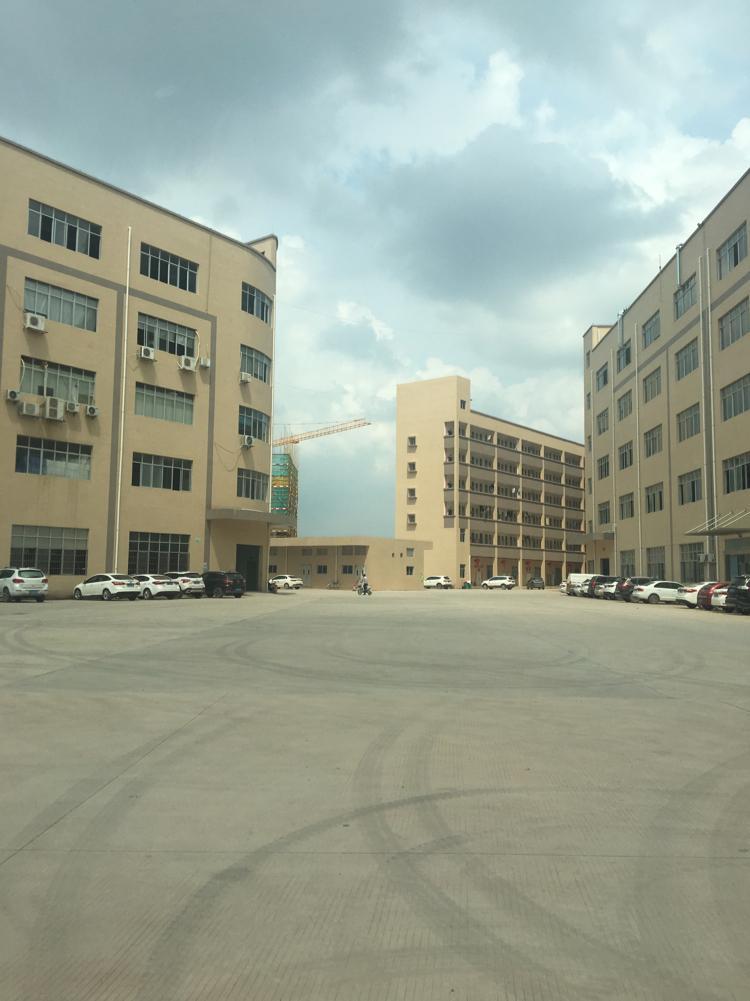 松岗红本厂房占地15000建筑6700急售,符合重建要求