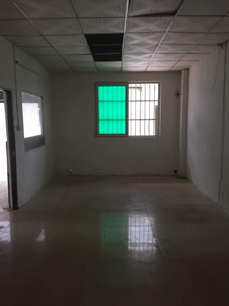 凤岗五联村一楼250平水电齐全办公室已装修好