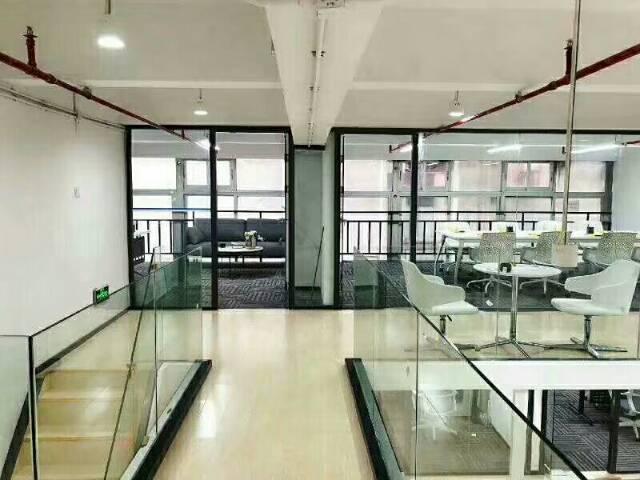广州黄埔鱼珠地铁口200米处精装办公室105平起租