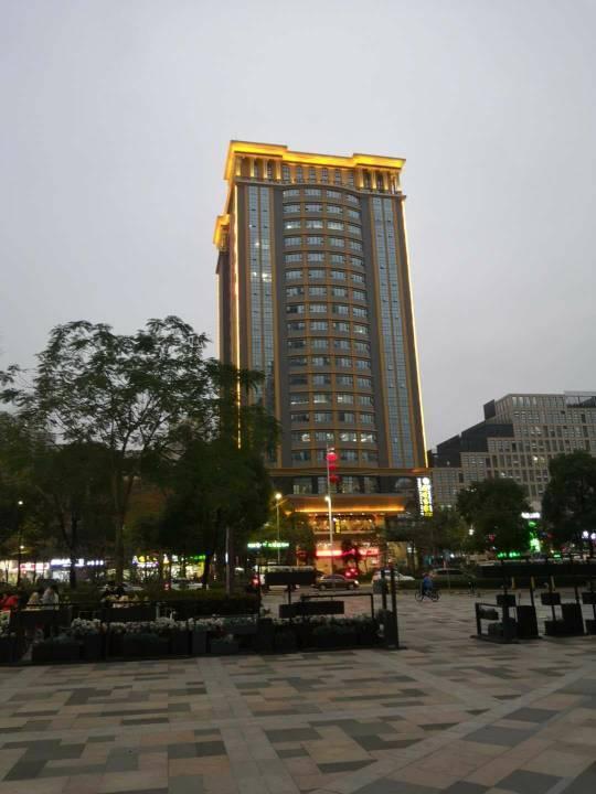 南联世宏大厦580平精装办公室招租