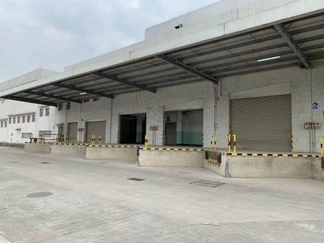 石岩龙大高速出口 红本标准物流仓库出租面积7800平米可分租