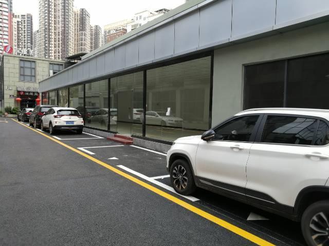 坂田黄金山一楼商铺出租送3个月装修期