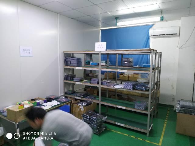 福永凤凰楼上整层2100平带装修厂房