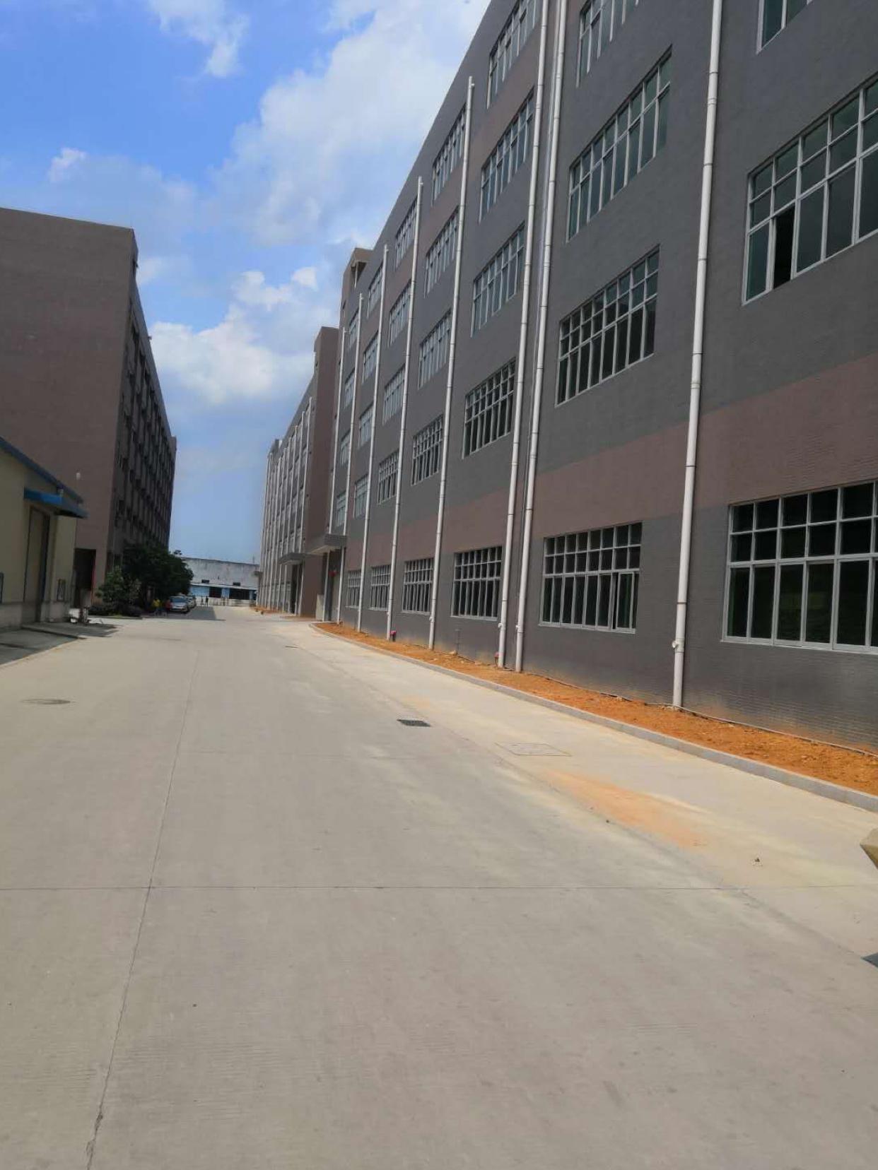 惠阳三和经济开发区全新标准红本厂房42800平方电梯5吨