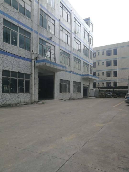 平湖富民工业区一楼800平米出租,空地大形象好
