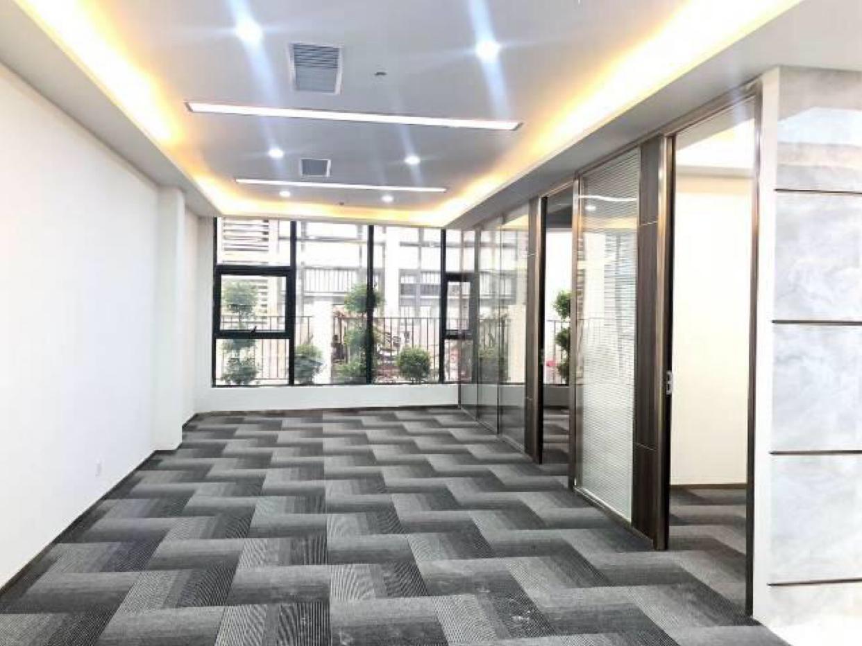 天河科韵路数据中心225平精装带办公室家私出租