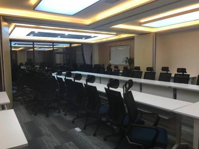 广州黄埔科学城正中心精装带家私写字楼、可分租