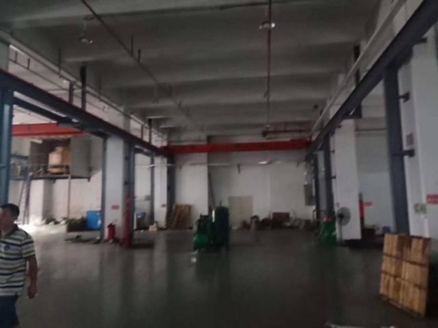 长安上沙新出一楼2500平高度七米自带行车精装修水电齐全厂房