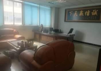 深圳公明东坑新出楼上厂房带办公室有装修,3吨货梯图片2