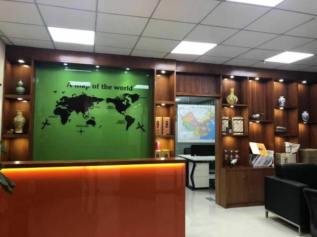 沙井大街新出130平带家私隔间4000元办公室