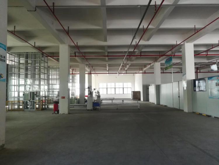 工业区分租厂房1楼