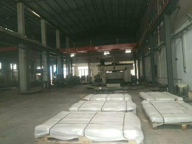 观澜新出独门独院钢结构厂房4000平方厂房带三部五吨行车