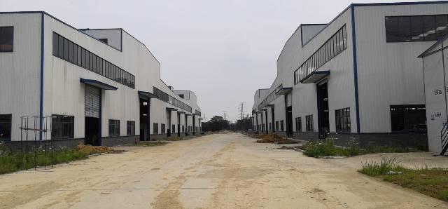 葛店开发区全新钢构厂房带行车有蒸汽管道大小可分租