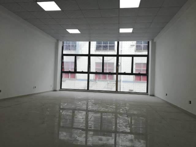 西乡固戍地铁口400米精装写字楼出租图片5