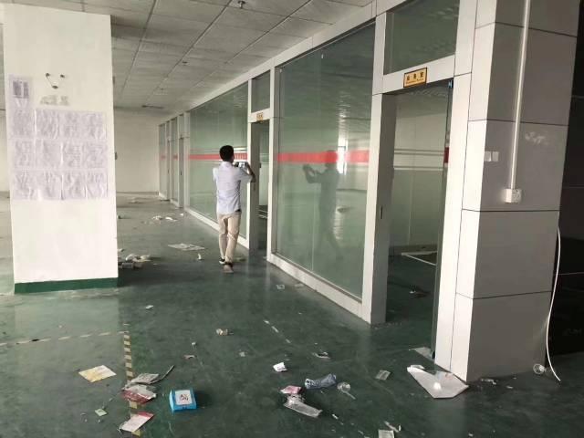 东莞市长安镇新出楼上带装修水电齐全500平厂房招租