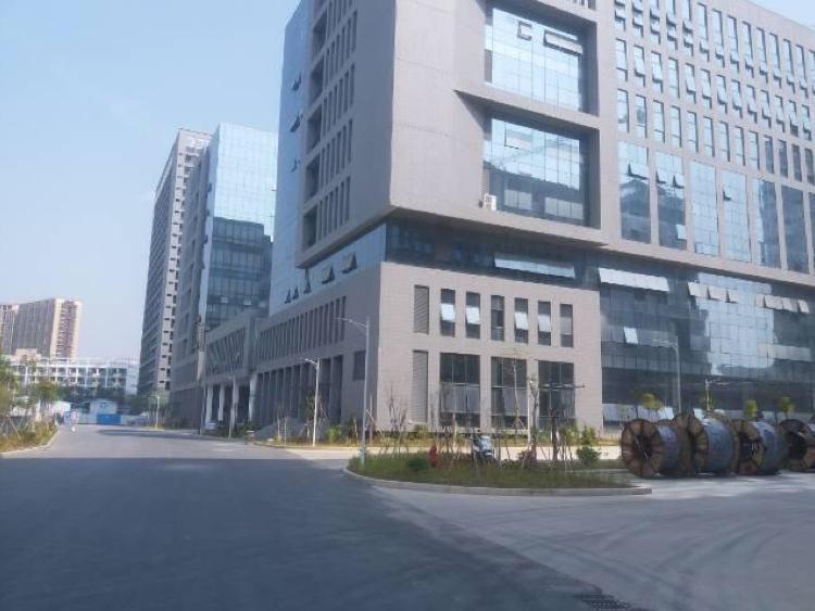 高新科技园1楼3000平、2楼3000平招租