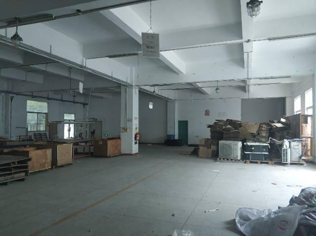 横岗新出原房东,厂房3楼450平面积实在价格18有电梯