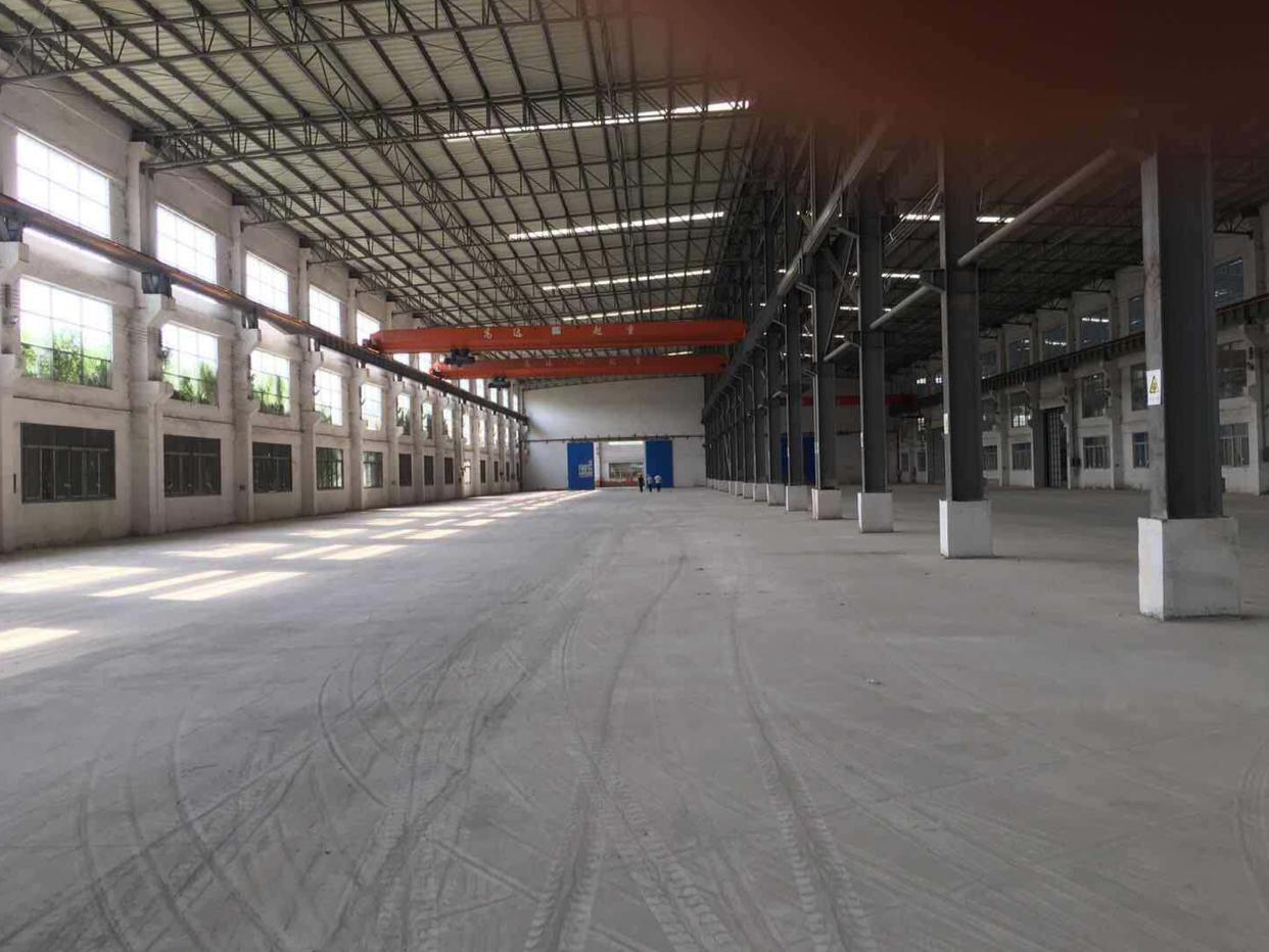 钟村汉溪村边,独门独院厂房出租,面积10800