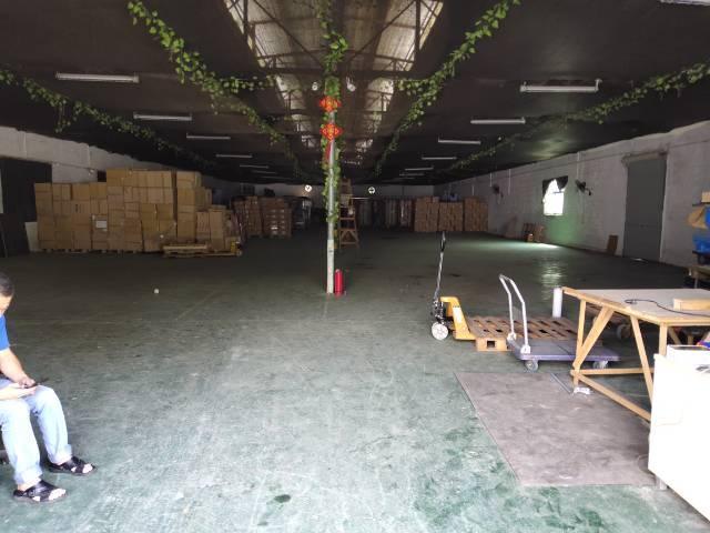 厚街镇沙塘村新出边上1500平仓库出租。报价便宜