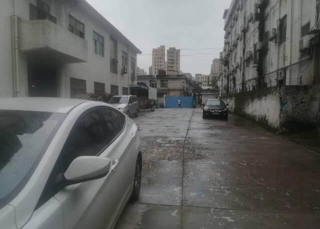 深圳塘尾新出二楼精装修厂房,办公室前台应有尽有