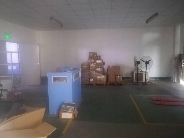 深圳塘尾新出二楼精装修厂房,办公室前台应有尽有-图2
