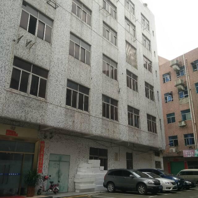 横岗四联小学校附近楼上带装修500平厂房出租