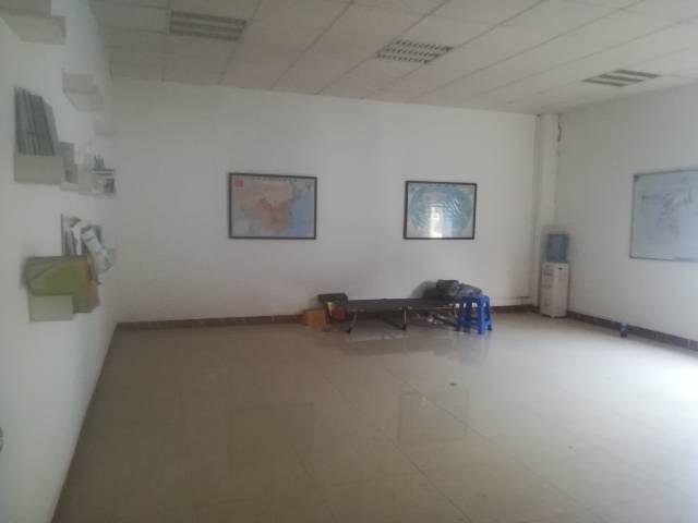 深圳塘尾新出二楼精装修厂房,办公室前台应有尽有-图7