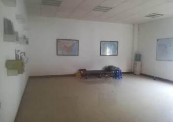 深圳塘尾新出二楼精装修厂房,办公室前台应有尽有图片7