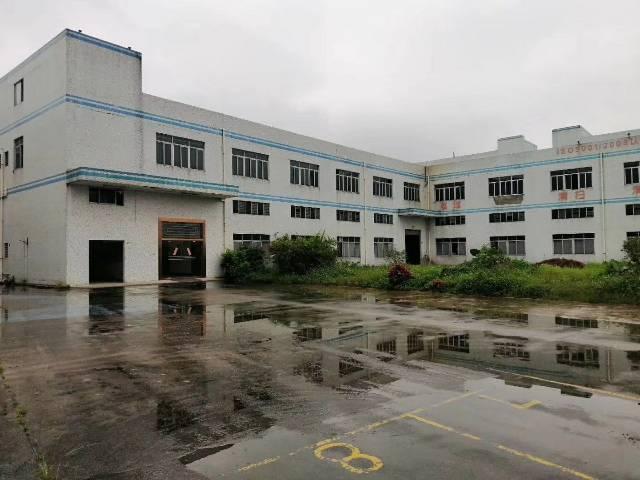 樟木头滴水5.5米标准厂房1500平带办公室