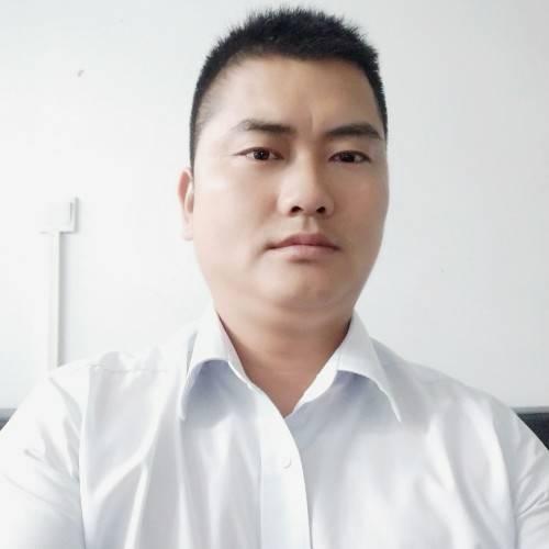 厂房经纪人李隆祥