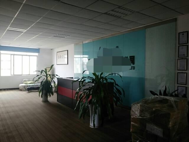 西丽阳光工业区楼上整层1500平方,豪华装修,无转让费