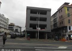 麦当劳镇中心商业楼