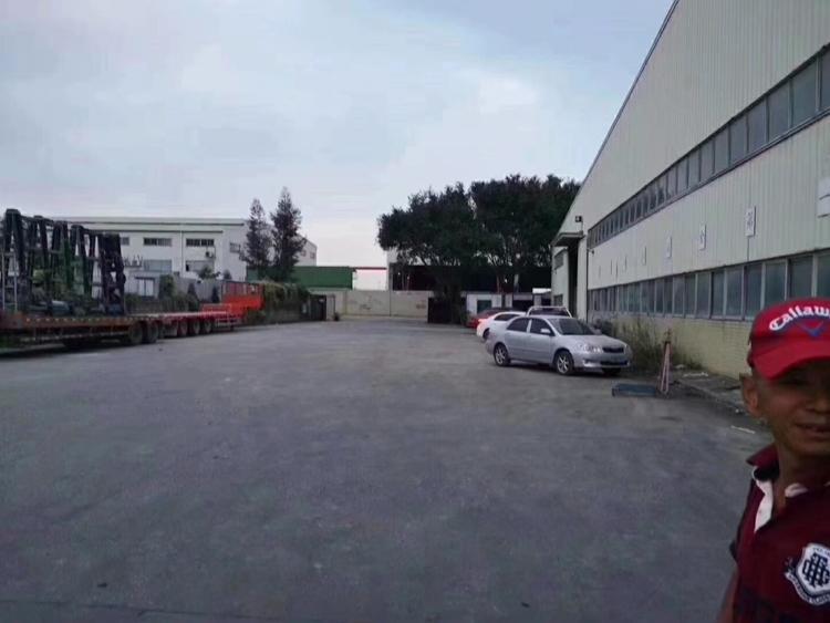 石岩单一层钢结构出租独门独院7200平方米仓库