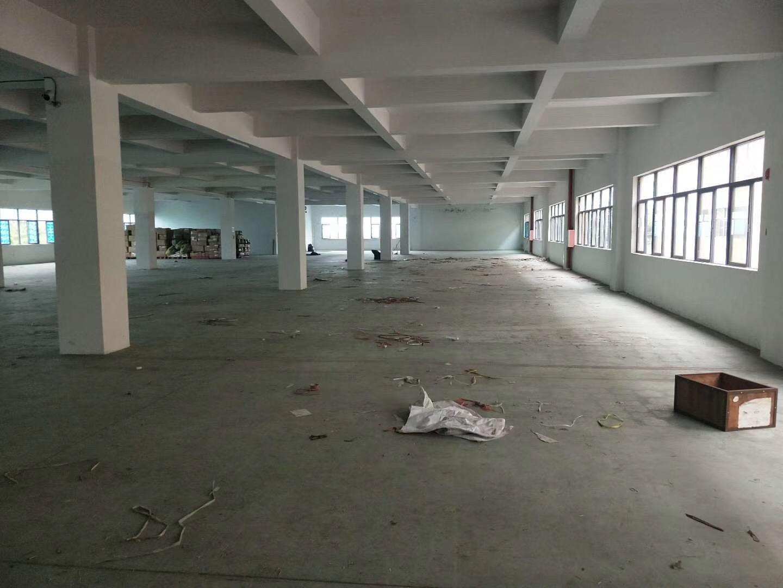 寮步镇汽车城工业园区楼上厂房1800平方出租