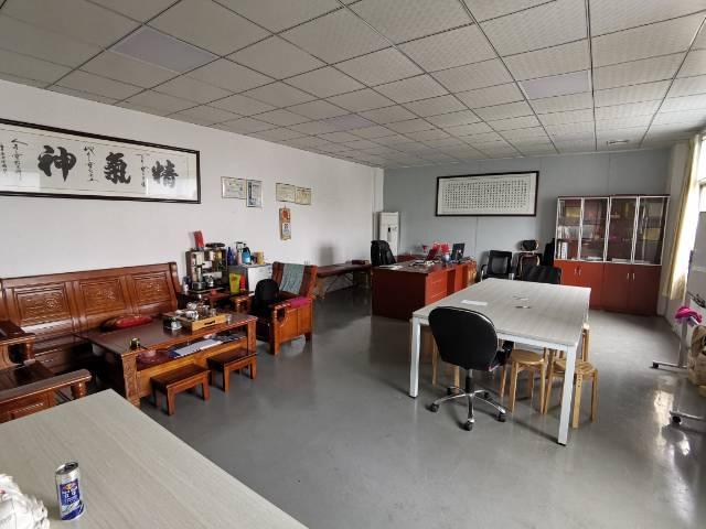 石碣新出三楼厂房680平方,包含三间宿舍打包价10000块。