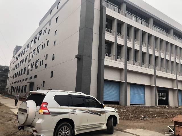 佛山市三水区工业园标准厂房仓库7万6千方每栋四部货梯可分租