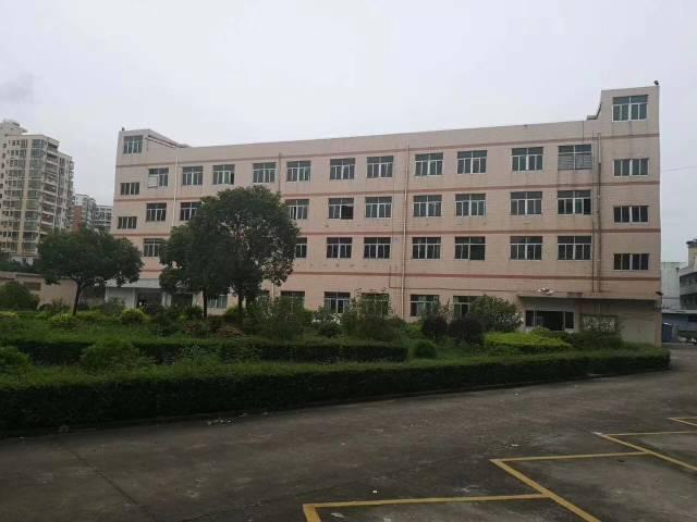 观澜清平高速旁15元厂房出租,3吨电梯。