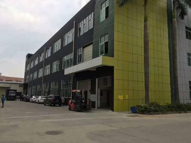 白云区罗岗村写字楼厂房仓库招租面积5800平方可以分租