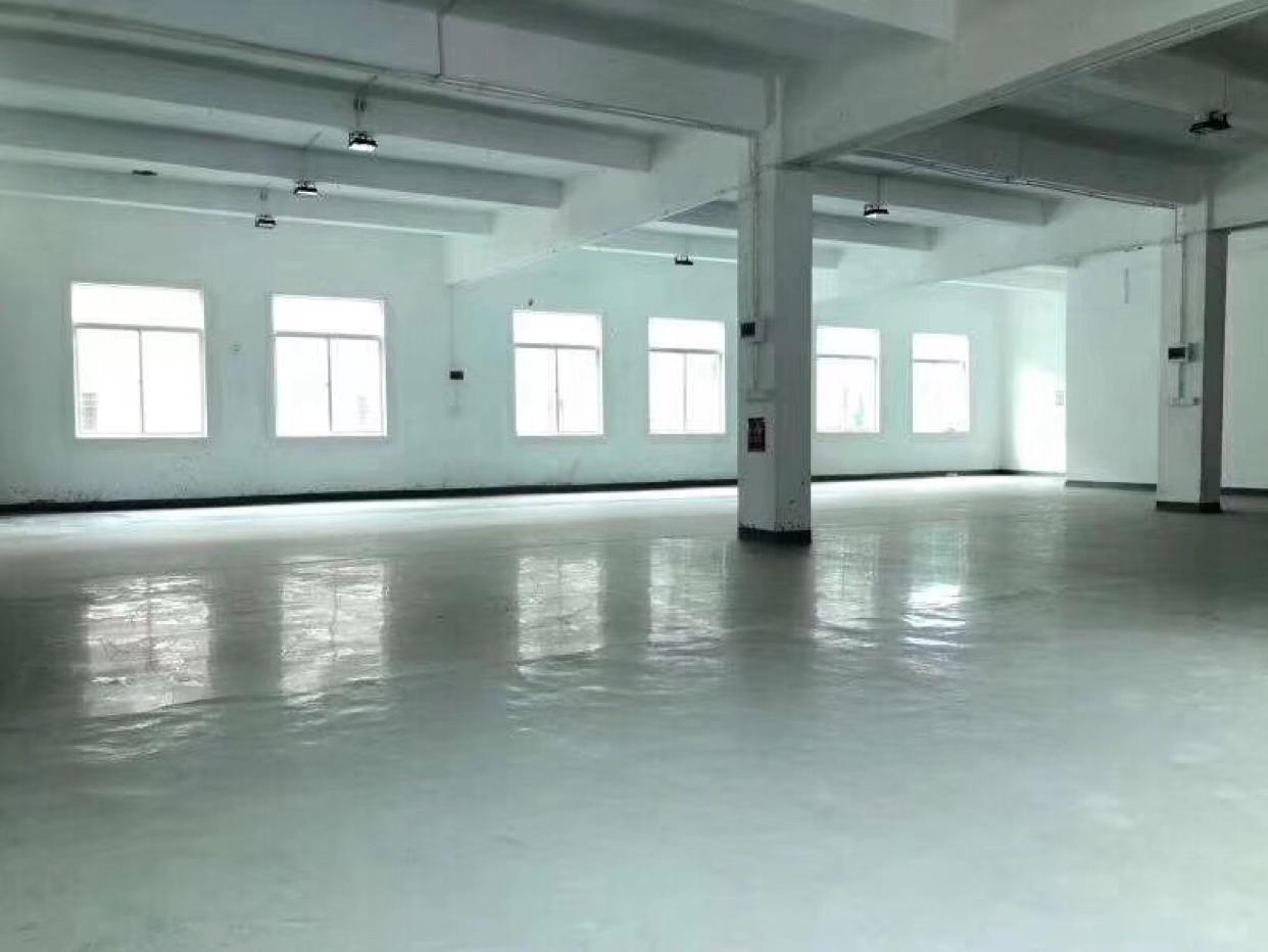 龙岗南联楼上2000平厂房出租大小分租