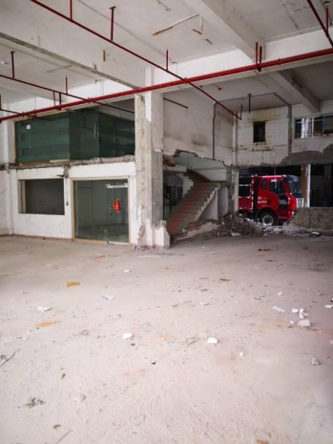 布吉水径一楼500平方厂房,可进大车,适合仓库物流
