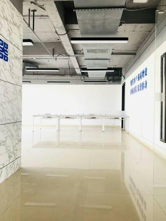 民治地铁口2+1格局精装修办公室