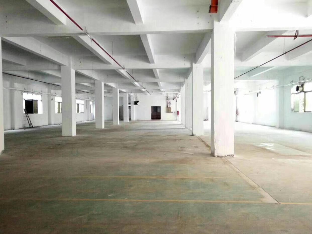 新华石塘工业区原房东出租11300平厂房仓库两千平起分