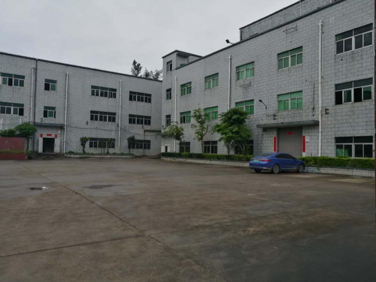 龙岗区平湖街道辅城坳楼上有办公室装修厂房480平招租