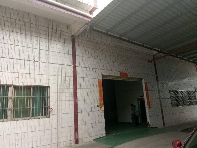低价出租厚街工业园厂房一楼800平方,现成行车位,地坪漆