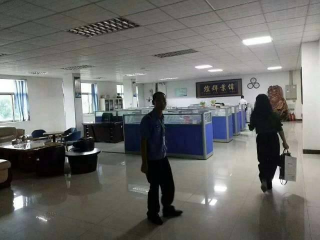 广州新出黄埔区标准楼上2600平证件齐全带装修厂房出租-图3