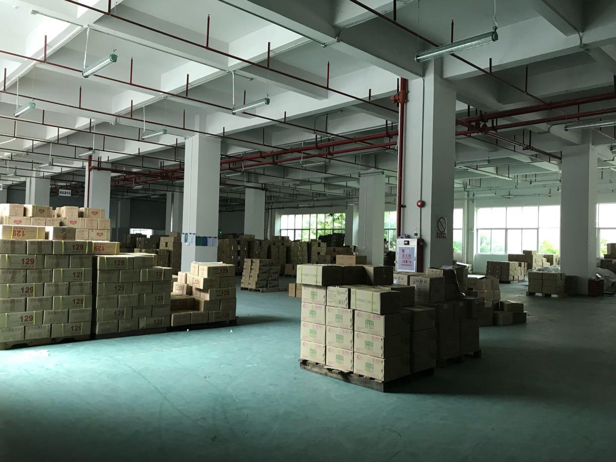 黄江镇临深标准厂房高6米一楼