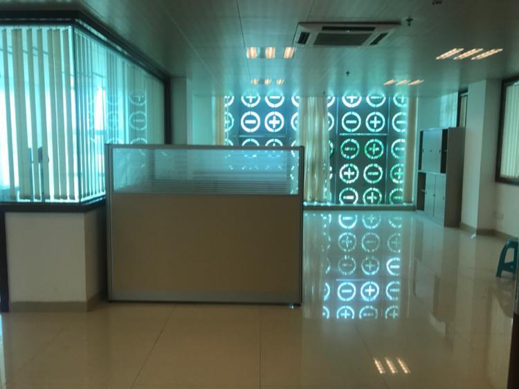 坪地标准办公厂房1000平