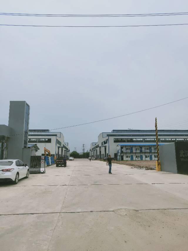 葛店开发区全新厂房可分租有行车空地很大大车进出方便-图7